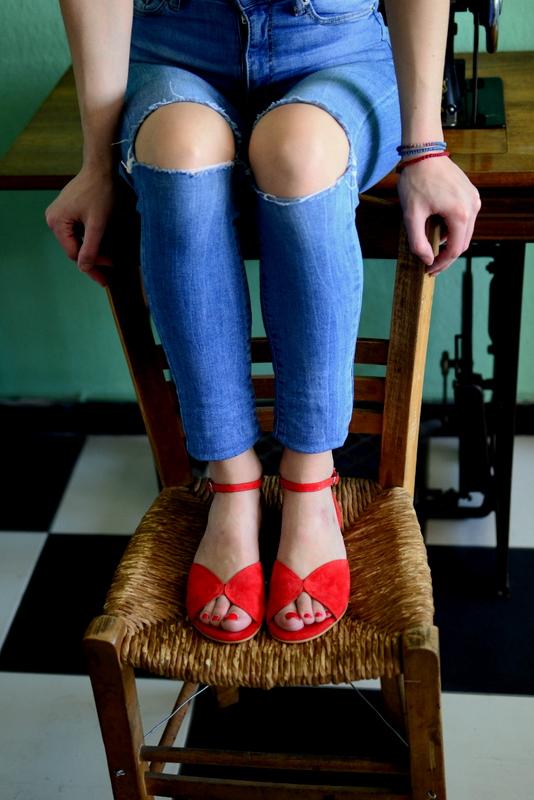 Mariposa red - Χειροποίητα φλατ πέδιλα με έξτρα μαλακό πάτημα και κούμπωμα στον αστράγαλο. - Fabrica Fabrica